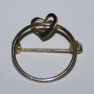 Dainty gold heart brooch Vintage